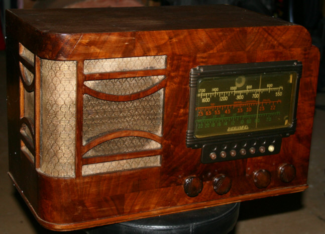 Howard model 468 Radio