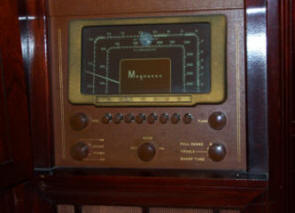 Magnavox Console with 6U5