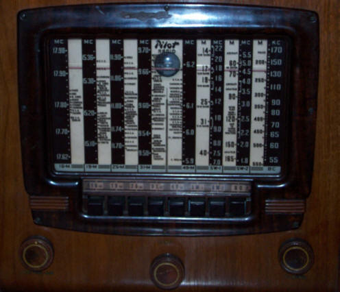 Pilot Table Radio